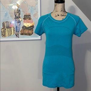 Lululemon swiftly turquoise T-shirt size 8